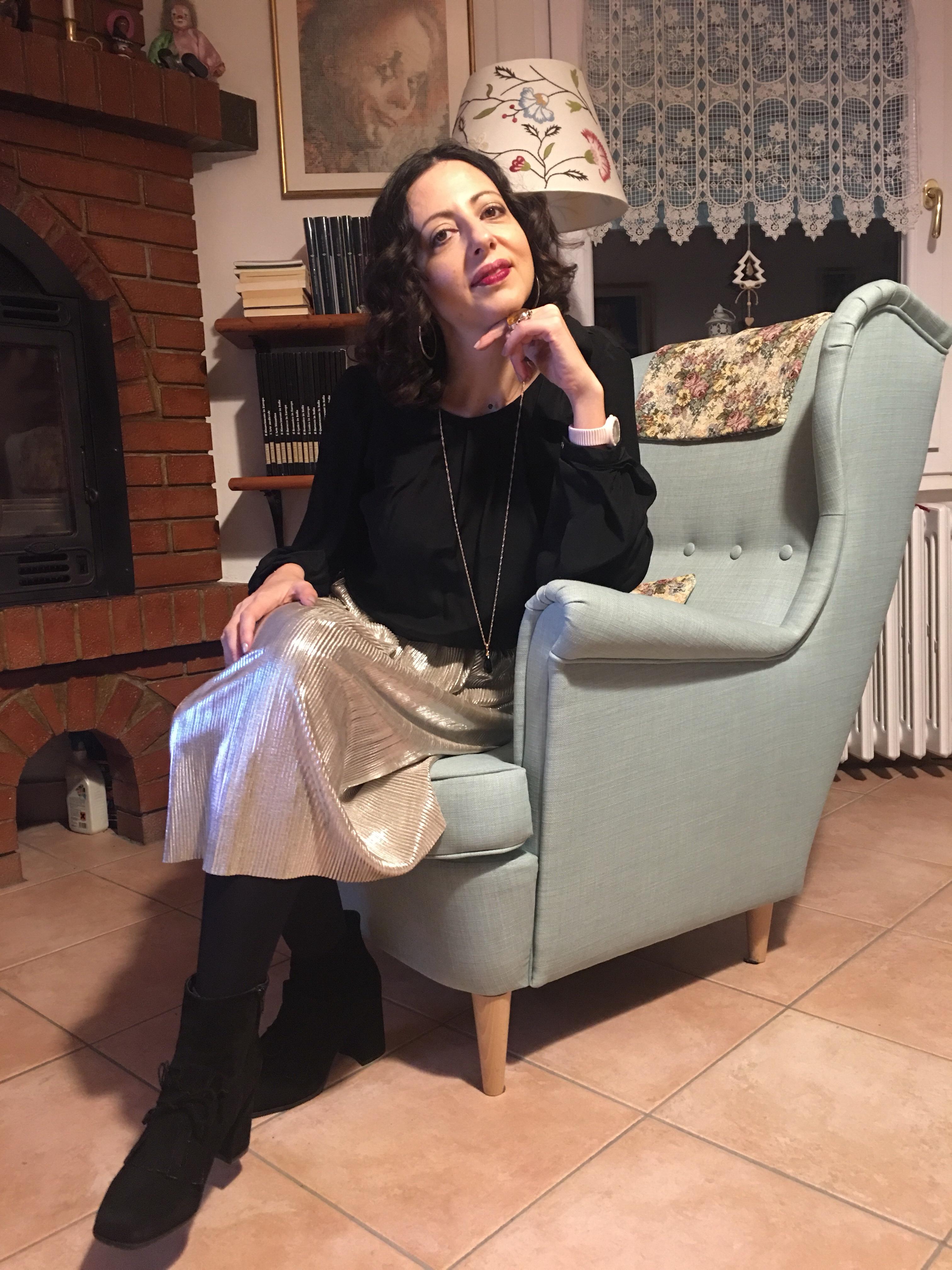 Come vestirsi durante le feste: il mio outfit nero e oro con una gonna da 5 euro