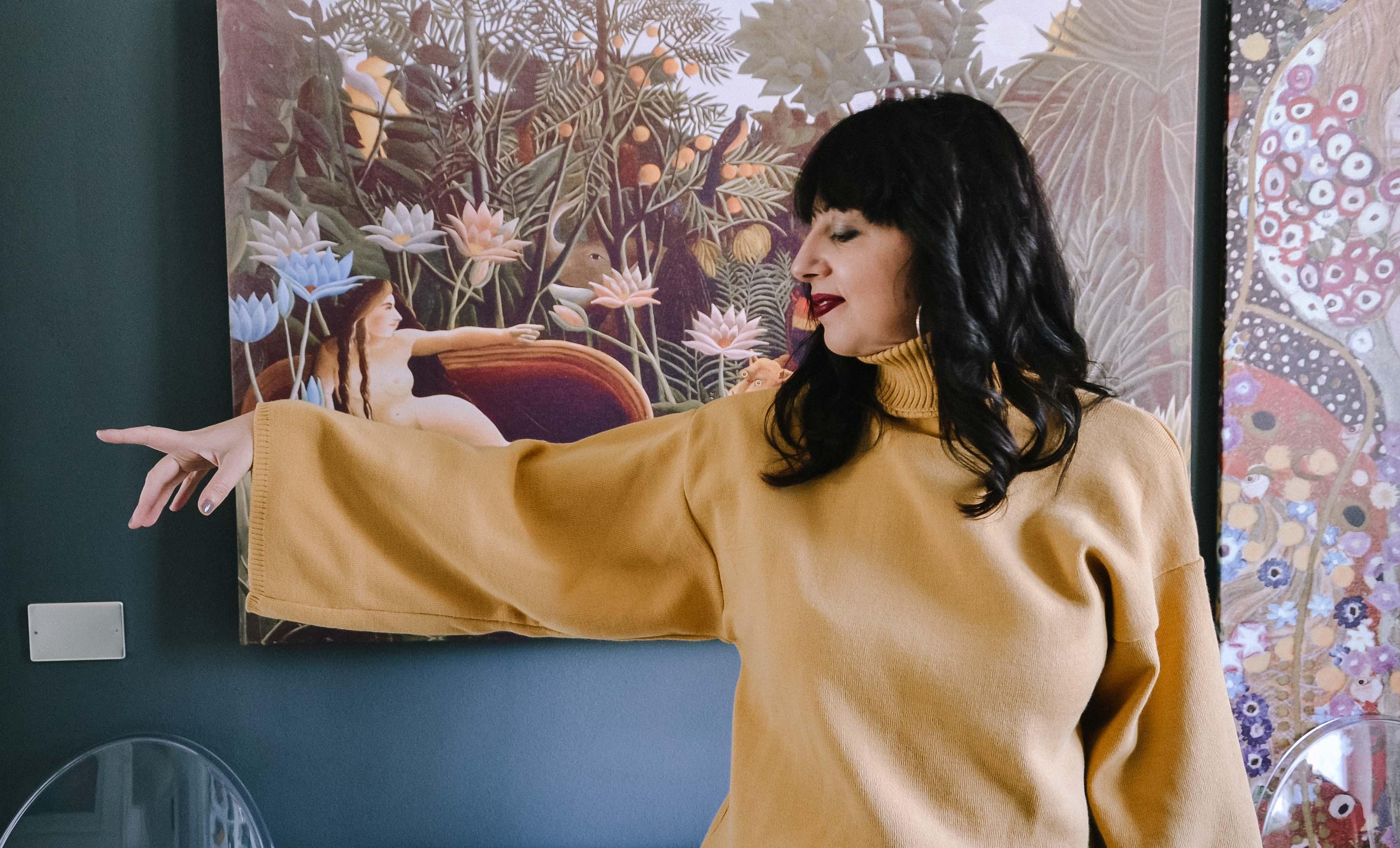 Come uscire dalla zona di confort nell'abbigliamento: vi racconto i miei trucchi e la mia storia con un maglioncino giallo preso su Femme Luxe.