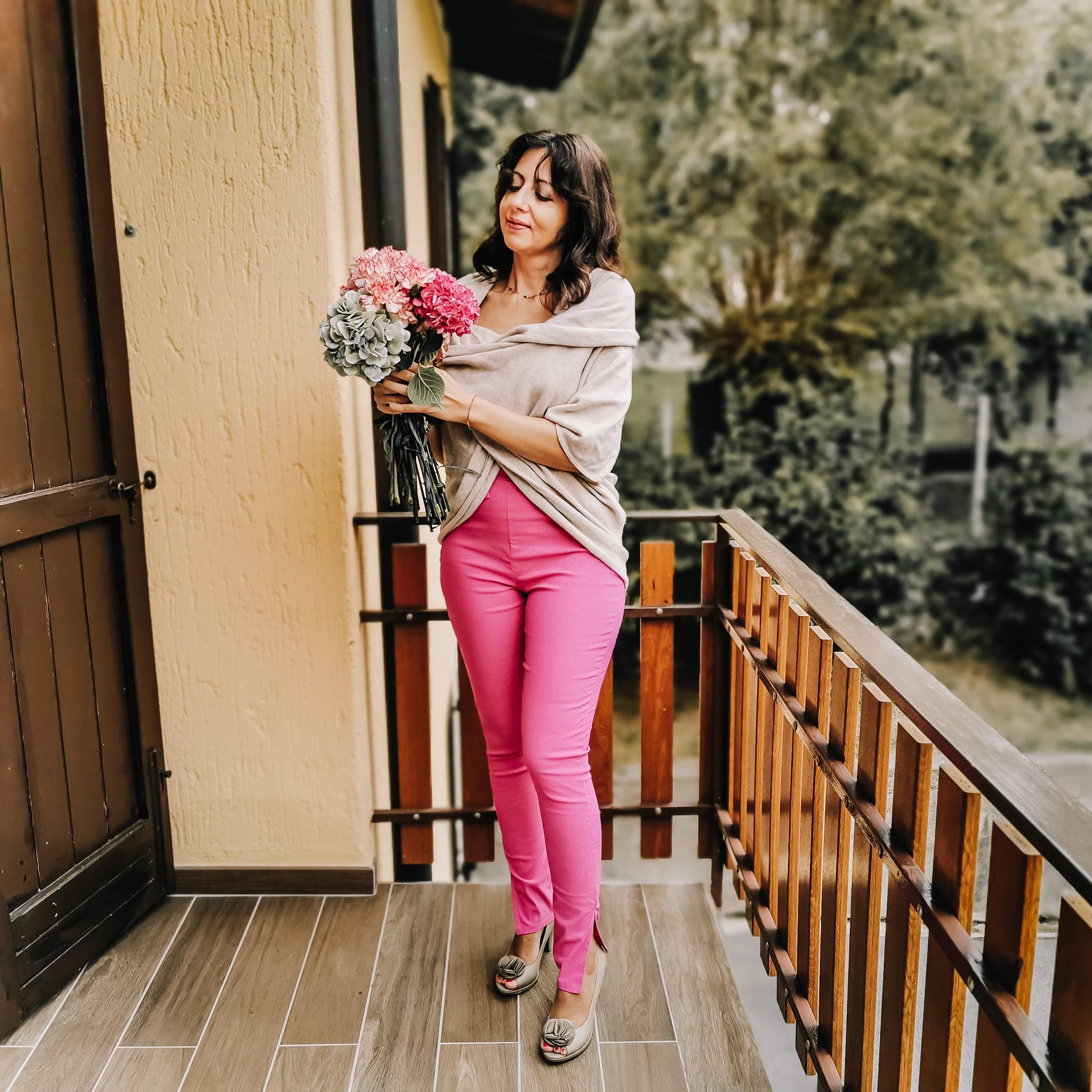 https://femmeluxefinery.co.uk/products/hot-pink-tie-belt-side-split-trousers-monica