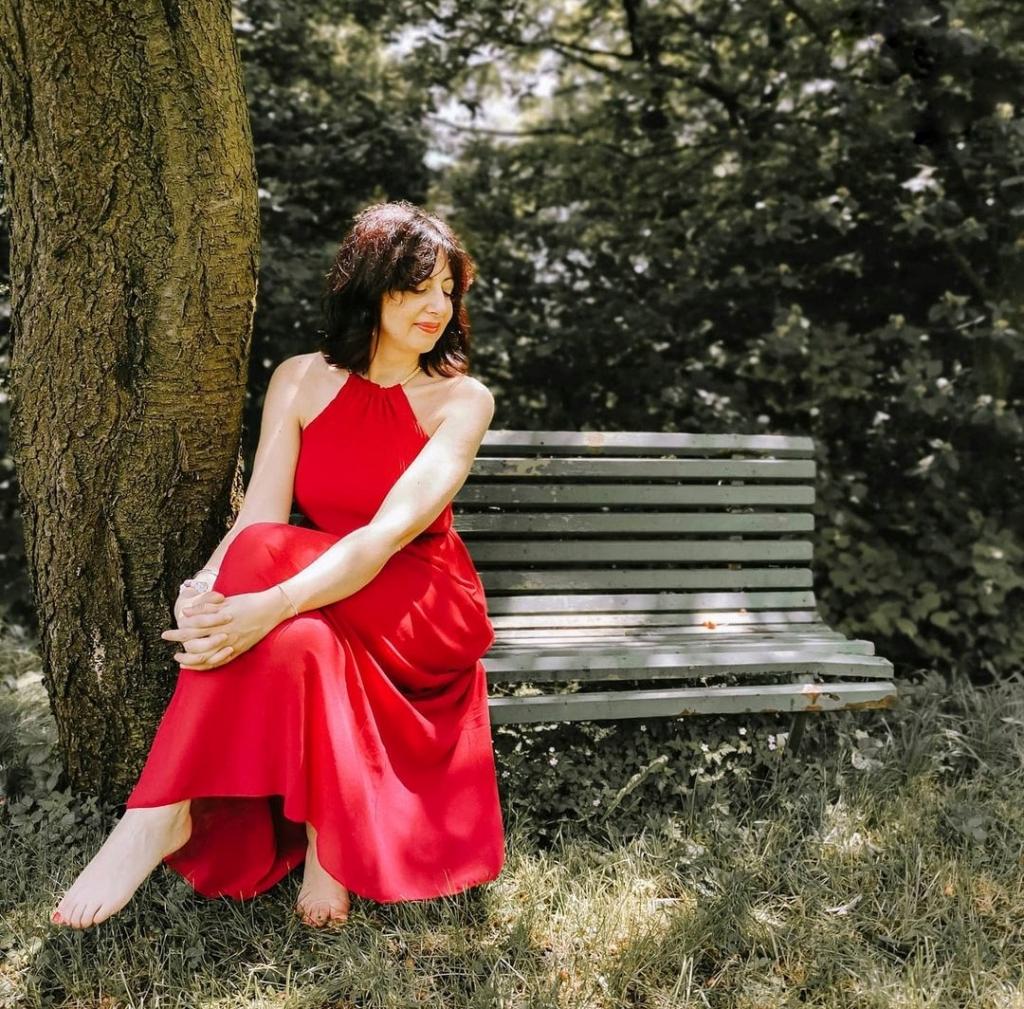 Isabella The Fashion Cherry Diary un abito lungo rosso - Come abbinare il rosso